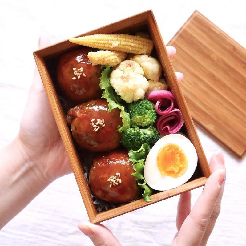 簡単肉巻きおにぎりレシピで♡マンネリお弁当が簡単チェンジ ...