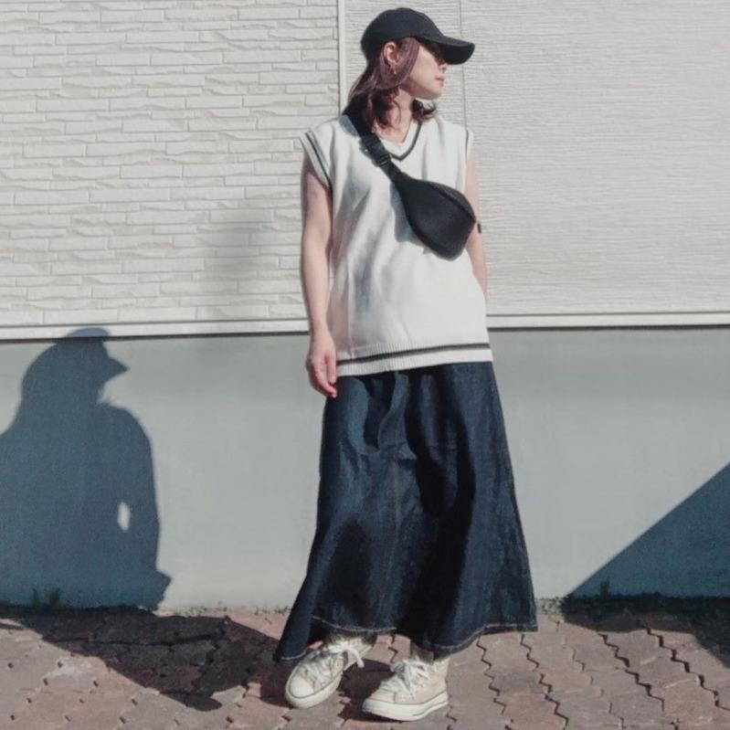 スカート 黒 夏 ロング コーデ