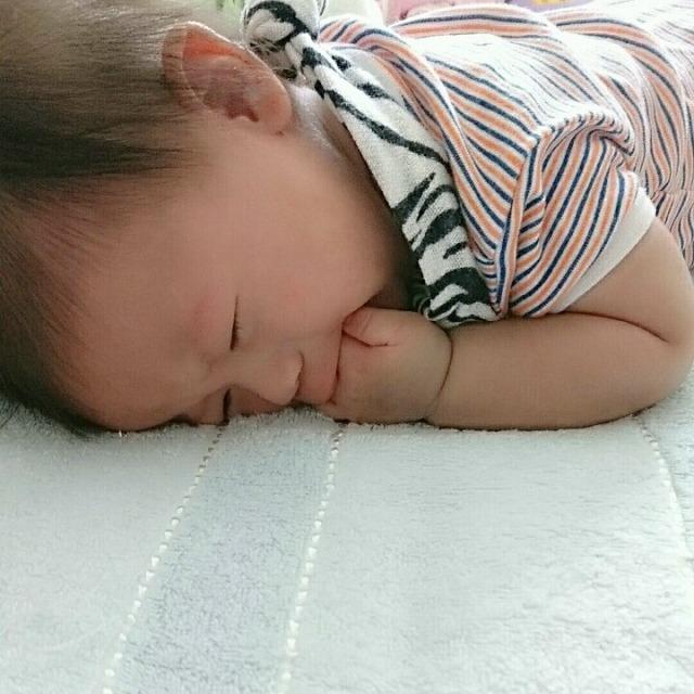 泣き 放置 ない 新生児 止ま 赤ちゃんの寝かしつけは放置がコツ!?ほったらかしに罪悪感を覚えない4つの根拠!