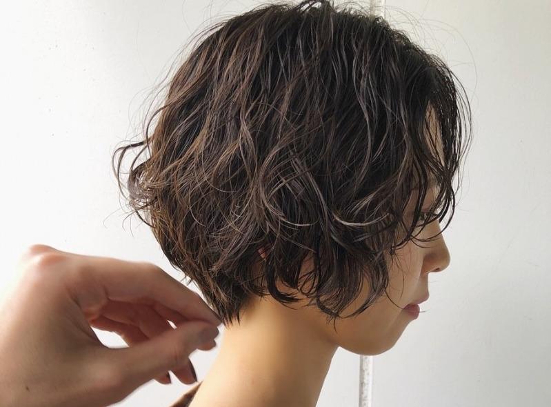 ウェットヘアの正しいやり方は レングス別のイメージもチェック