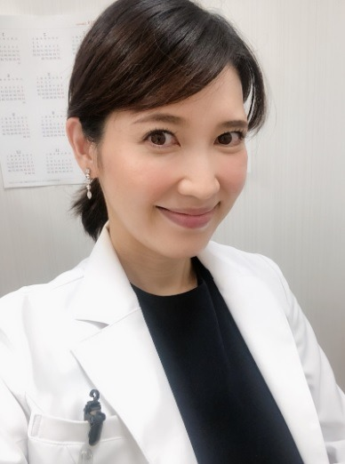 友利新さん41歳で第3子出産!「命の重みを実感」西川先生もお見舞いに