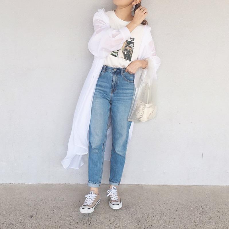 コーデ シャツ ロング シアー トレンドのシアーシャツで叶える旬顔コーデ5選♪淡色でもすっきり見え!